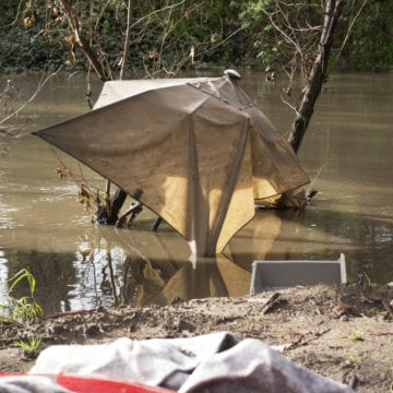 San Jose homeless residents near Coyote Creek escape rising waters