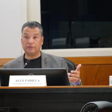 Alex Padilla tham gia với các nhà lãnh đạo của Hạt Santa Clara để giải quyết sự đàn áp cử tri