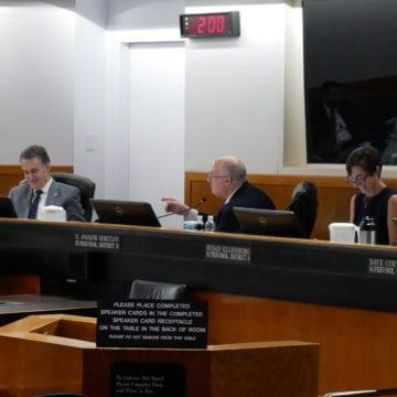 ¿Qué acciones poseen los legisladores del condado de Santa Clara?