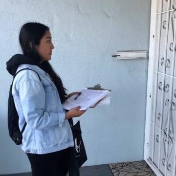Làm thế nào các quan chức Điều tra dân số tiếp cận các khu dân cư khó đếm của San Jose