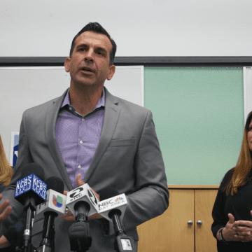 Funcionarios de Silicon Valley y gigantes tecnológicos lanzan programa para ayudar a los residentes a pagar el alquiler