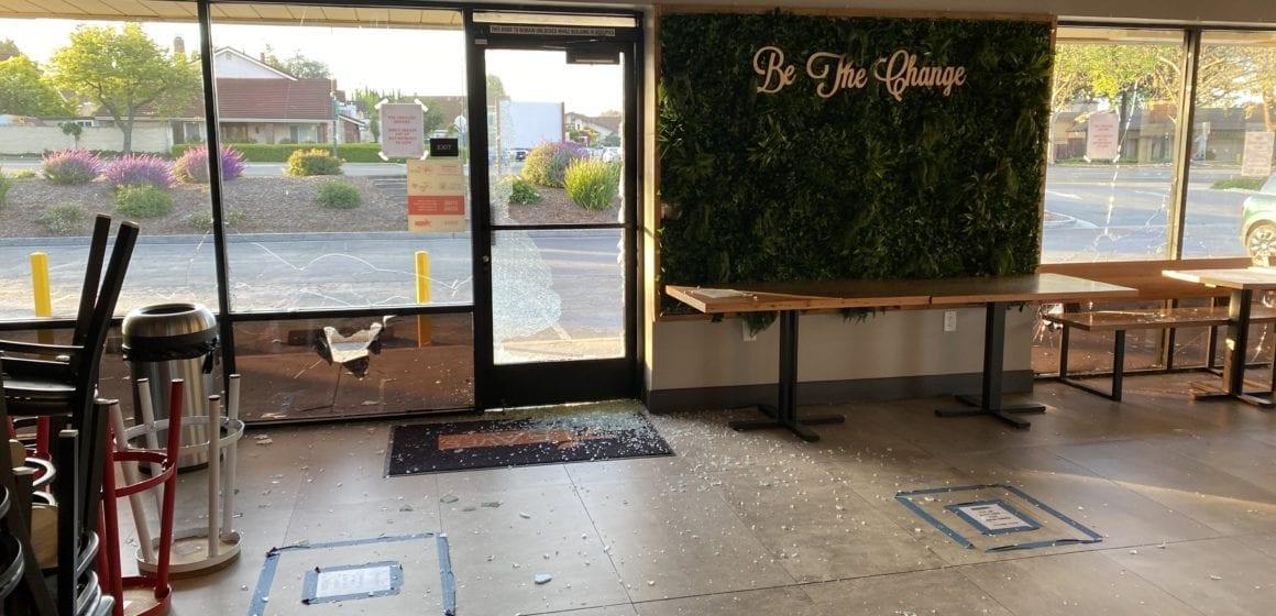 'Mọi cửa sổ đều bị đập tan:' Các doanh nghiệp San Jose thuộc sở hữu châu Á được nhắm mục tiêu