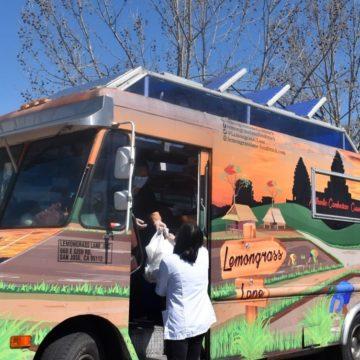 Moveable Feast alimenta a miles de trabajadores de la salud con exceso de trabajo en San José