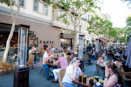 Tại sao ăn uống trong nhà vẫn không phải là một lựa chọn ở Hạt Santa Clara