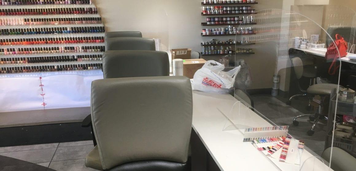 Các tiệm nail South Bay đấu tranh trong bối cảnh đóng cửa, bất chấp trật tự nhà nước mới