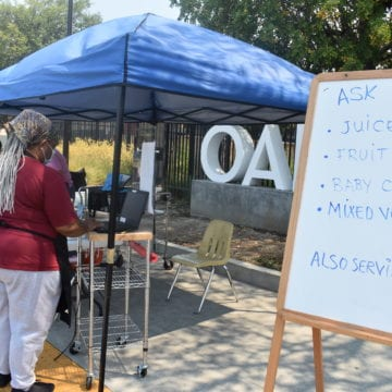 Dewan: ¿Están llegando las comidas escolares universales a las escuelas de California?