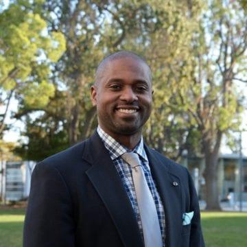 Tiến sĩ Byron D. Clift Breland