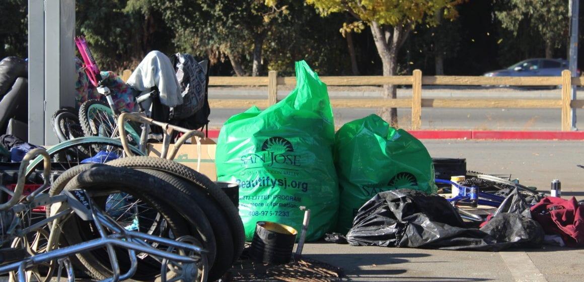 Nhiều rác nhưng ít tiền mặt trong chương trình San Jose trả tiền cho người vô gia cư để nhặt rác