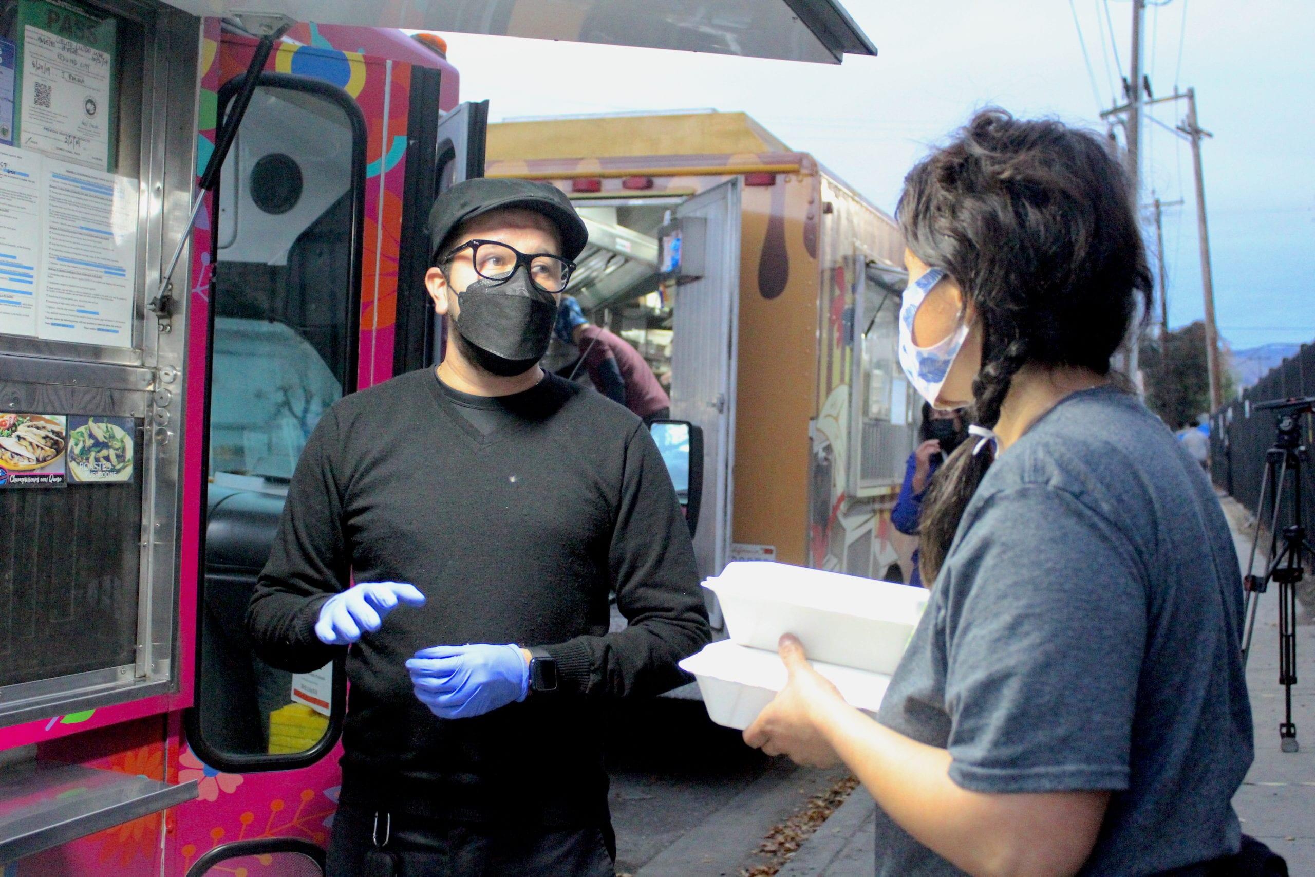 Camiones De Comida Rescatan Cena Navideña Para Personas Sin Hogar En San José San José Spotlight