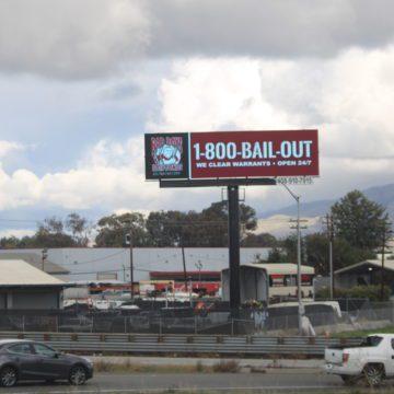 Cuộc chiến về biển quảng cáo: San Jose đối mặt với vụ kiện, phản đối những thay đổi được đề xuất