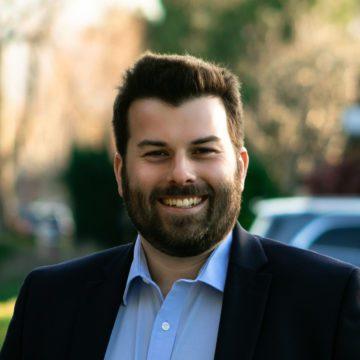 Ủy viên Kế hoạch San Jose Justin Lardinois tranh cử Hội đồng Thành phố