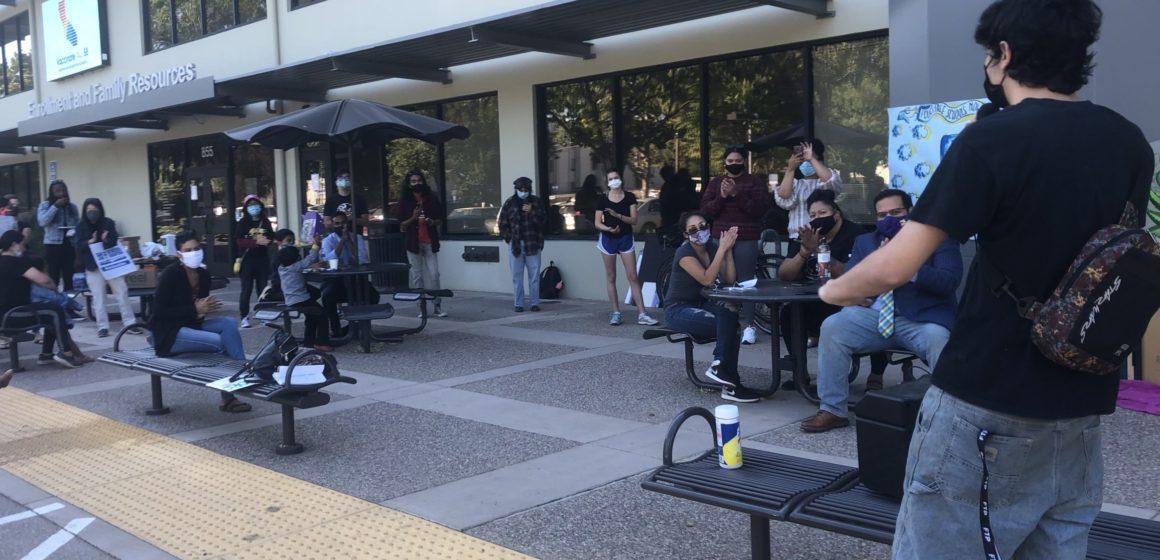 El distrito escolar de San José considera expulsar a los policías del campus