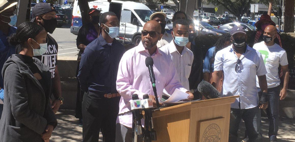 'Không phải nơi dành cho người da đen:' Lãnh đạo NAACP rời Thung lũng Silicon