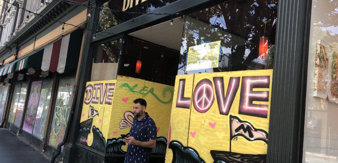 Hố tưới nước mang tính biểu tượng của San Jose trở thành quán bar honky-tonk