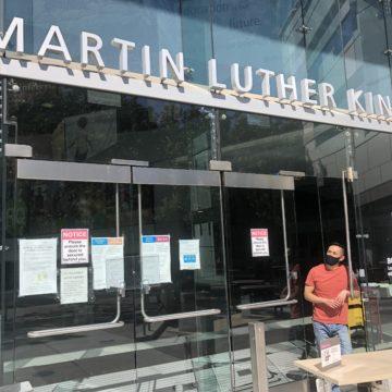 Thư viện quan trọng đối với sinh viên Đại học Bang San Jose vẫn đóng cửa