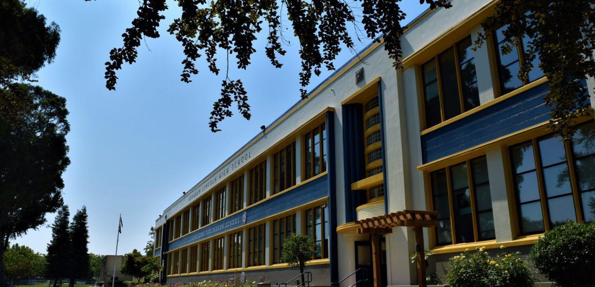 Ủy ban Giáo dục Quận Santa Clara tìm cách lấp đầy chỗ trống