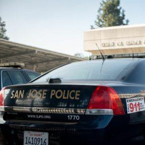 La policía y los bomberos de San José se oponen al mandato de vax